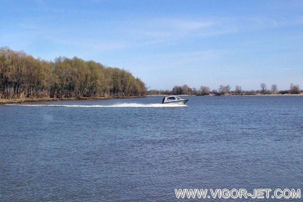 Самостоятельное тестирование катера VIGOR 540 (A) Bow Rider опытным владельцем