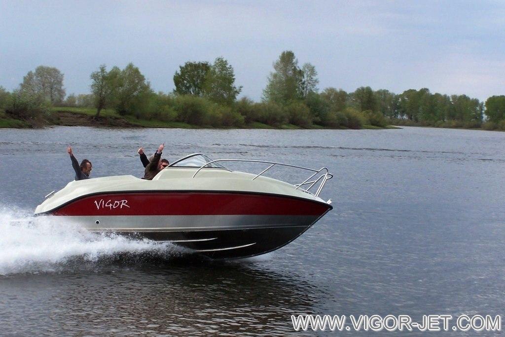 Проверка ходовых качеств катера VIGOR 620 (L) Walk Around