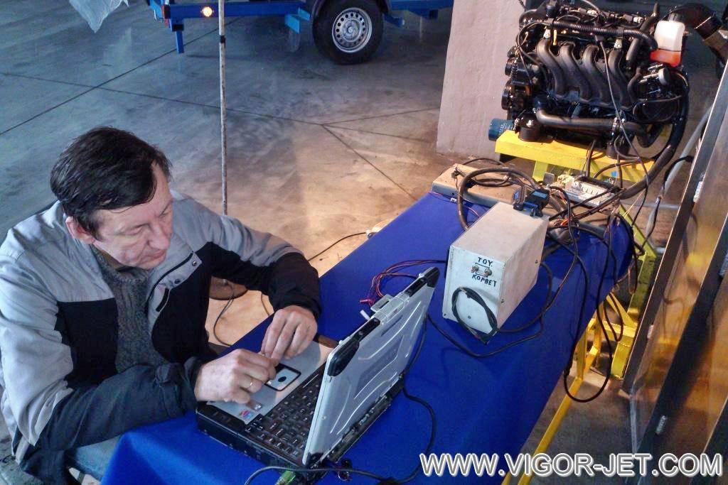 Проверка настроек стационарного судового двигателя VIGOR 50 на стенде