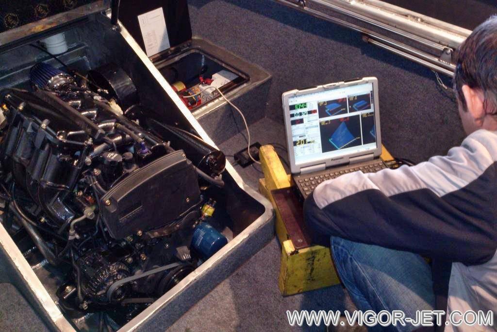 Проверка двигателя VIGOR 90 на холостом ходу под нагрузкой на катере VIGOR 540 (A) Closed Bow