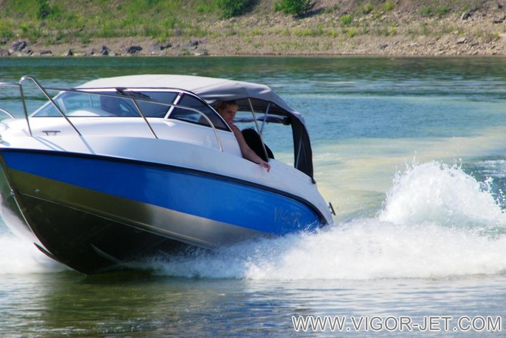 VIGOR 620 (L) Walk Around на реке Ангара