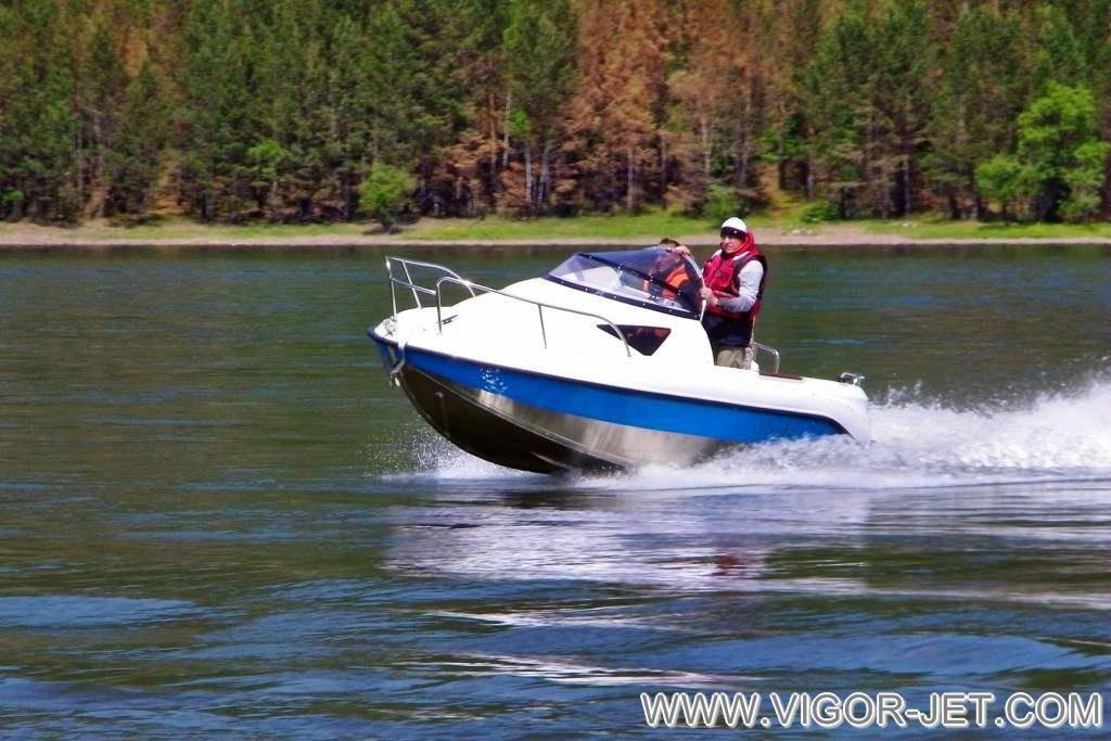 Проверка ходовых качеств катера VIGOR (S) Walk Around