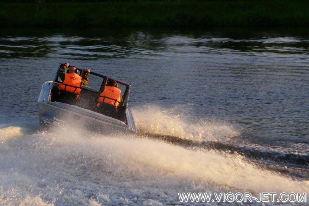 Проверка ходовых качеств катера VIGOR 540 (A) Bow Rider